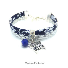 Bracelet manchette PAPILLON dans les tons bleu marine et argenté...