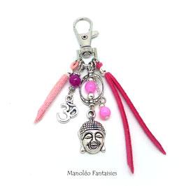 Bijou de sac ou porte-clés BOUDDHA dans les tons roses, fuchsias et argentés