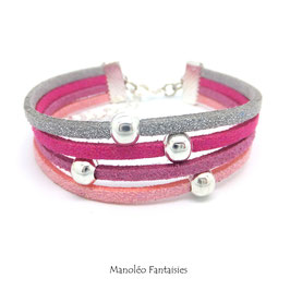 Bracelet perles éparpillés dans les tons roses et argentés...