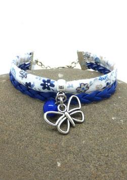 Bracelet PAPILLON mini manchette dans les tons bleu marine et argenté.