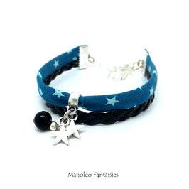 Bracelet étoiles dans les tons bleus, noirs et argentés...