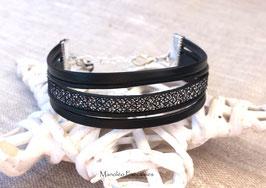 Bracelet PABLO cuir noir, effet nid d'abeille et sa petite étoile.
