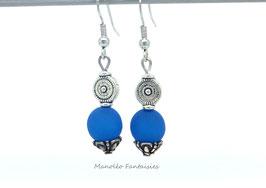 """Boucles d'oreilles argentées """"TOURBILLON"""" et sa perle polaris bleue..."""
