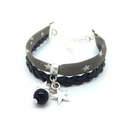 Bracelet manchette étoiles dans les tons noirs et gris...
