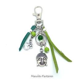 Bijou de sac ou porte-clés BOUDDHA dans les tons verts et argentés
