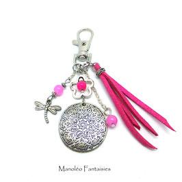 Bijou de sac ou porte-clés FLEUR dans les tons rose, fuchsia et argenté...
