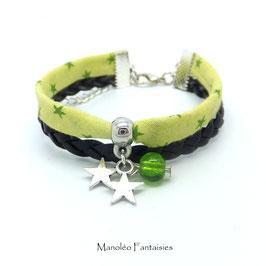 Bracelet manchette ETOILES dans les tons vert et argenté...