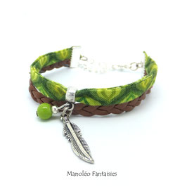 Bracelet manchette PLUME dans les tons verts, marrons et argentés...