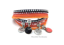 Bracelet LOEVA double tour, 4 liens suédine, dans les tons corail, orangés, noir et argenté...