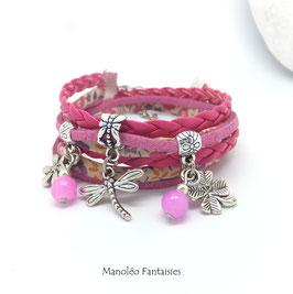 Bracelet LIBERTY double tour, ses perles et pampilles, dans les tons fuchsia et argenté...