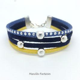 Bracelet 4 liens perles éparpillées dans les tons bleus et jaune...