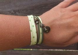 Bracelet vert double tour perles et breloques
