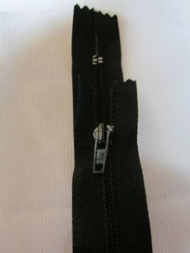 (1,95 € / Stück)   2 x Reißverschlüße von R für Hosen & Röcke Länge : 18 cm Farbe : Schwarz