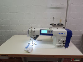 Industrienähmaschine Juki DDL 8000APMS-NBK Vollautomatik  automatischer Fadenabschneider Servomotor Bedienfeld im Kopf