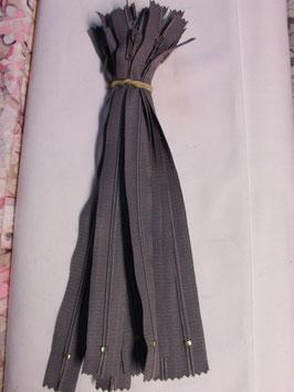 (1,80 € / Stück)   2 Reißverschlüße für Hosen & Röcke Länge : 20 cm Farbe : Grau