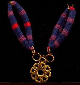 "Collier avec médaille "" mandalah"" en métal"