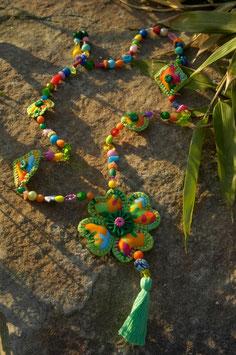 Collier Perles et Tissu