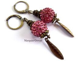 Dormeuses boho chic laiton bronze perles à strass roses