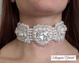 Collier ras du cou brodé blanc argent mariage en cristal Swarovski et soie Shibori, Coeur Pur