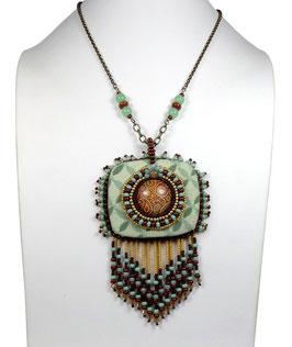Collier pendentif frangé et brodé boho ethnique vert d'eau marron bronze