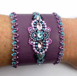 Bracelet manchette cuir violet brodé cristal Swarovski améthyste er bleu aqua