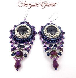 Boucles d'oreilles brodées bleu nuit violet, argent, gemme, verre, cristal, baroques