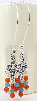 Boucles d'oreilles à longs crochets, oranges et bleues en argent chandeliers et pierres fines, cornaline, quartz, hippie chic