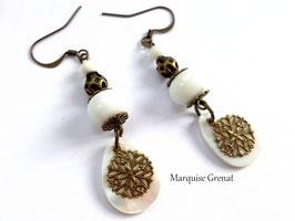 Boucles d'oreilles bohèmes blanches laiton bronze