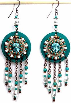 Boucles d'oreilles hippie chic cuivrées blanches cristal et cuir turquoise