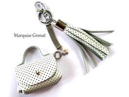 Bijou de sac porte clés chic cuir blanc