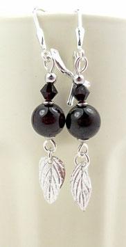 Boucles d'oreilles dormeuses en argent, grenat, pierre fine et cristal, feuilles en pendants