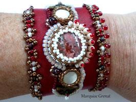 Volga bracelet manchette brodé cuir rouge