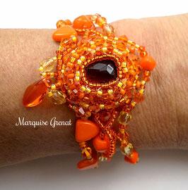 Bracelet brodé orange, style baroque