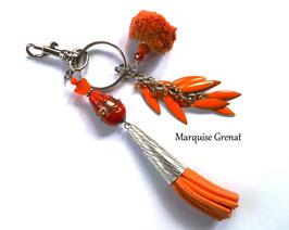 Bijou de sac porte clés bohème chic orange argenté