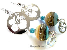 Boucles d'oreilles Hibiscus en argent quartz et verre filé beige et bleu