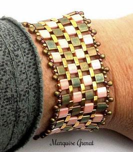 Bracelet manchette créateur tissé, kakie rose thé plaqué or, moderne chic
