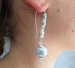 Boucles d'oreilles en argent, crochets longs, en argent, bleu clair céramique, cristal, verre, moderne