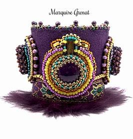 Bracelet manchette brodé de créateur, pierre fine, cristal plaqué or, prune jaune topaze, ethnique chic