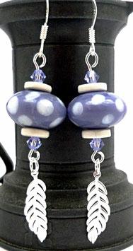 Boucles d'oreilles boho en argent, violet, blanc, verre, céramique, feuilles