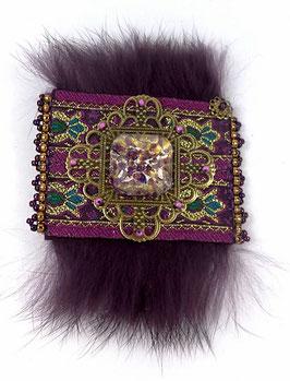 Broche boho ethnique prune violet bronze à fourrure