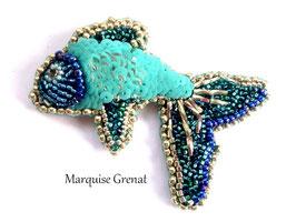 Broche brodée poisson bleu