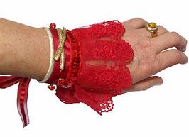 Manchette textile créateur dentelle rouge sexy chic et son écrin d'art