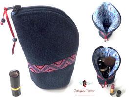 Trousse à maquillage forme originale en jean et coton enduit bleu