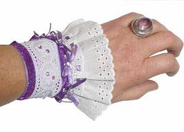 Manchette textile créateur shabby chic romantique, mauve et blanche, coton broderie anglaise