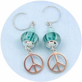 Boucles d'oreilles vert d'eau en argent, cristal, verre, breloques peace and love, hippie chic