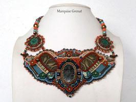 Horus collier plastron brodé bohème multicolore