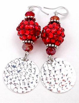 Boucles d'oreilles glamour rouges argentées à sequins martelés en laiton