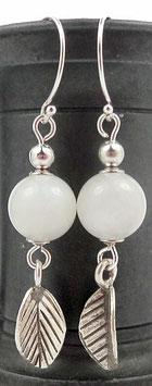 Boucles d'oreilles en argent blanches, pierre de lune, gemme, feuilles