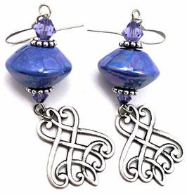 Boucles d'oreilles bleu tanzanite, laiton argenté, cristal, céramique, baroques