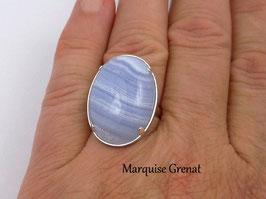 Bague ovale en argent calcédoine bleu ciel